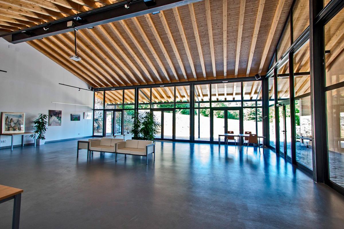 Imagen interior exposición en Villaescusa