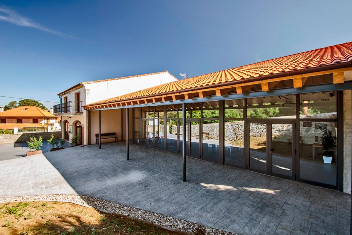 Imagen exterior exposición en Villaescusa