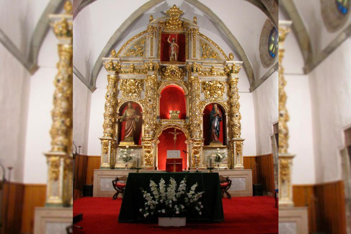Imagen altar de la iglesia
