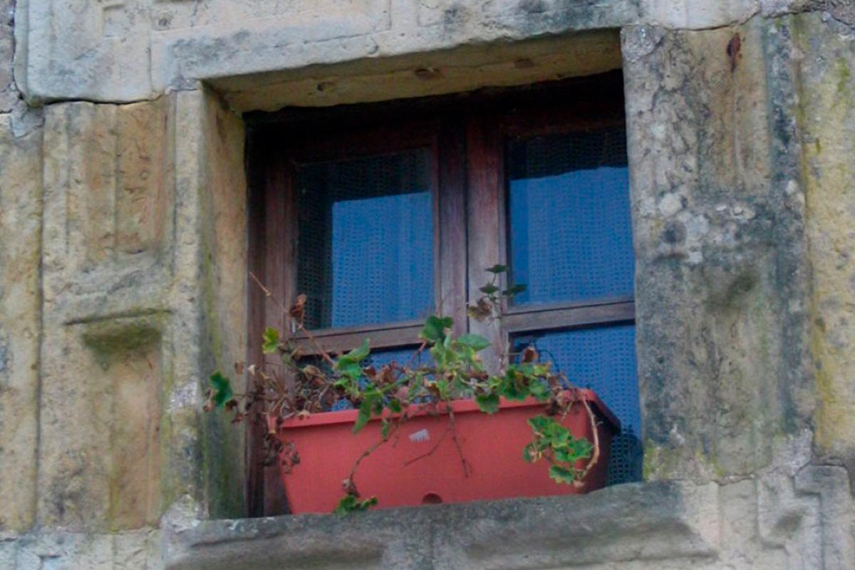Imagen ventana de vivienda